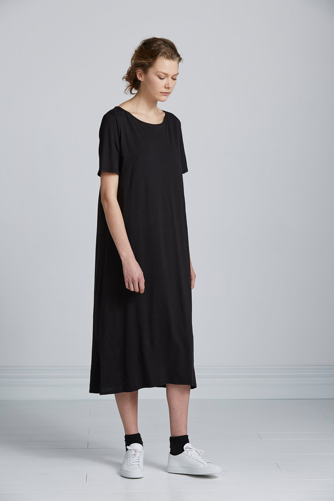 bbTeeshirtDress_18_black_promo_1024x1024